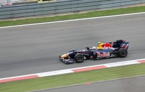Sebastian Vettel bremst